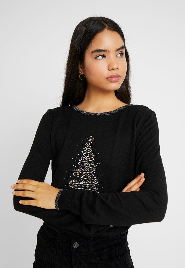 SWIRL CHRISTMAS TREE JUMPER - Stickad tröja - black