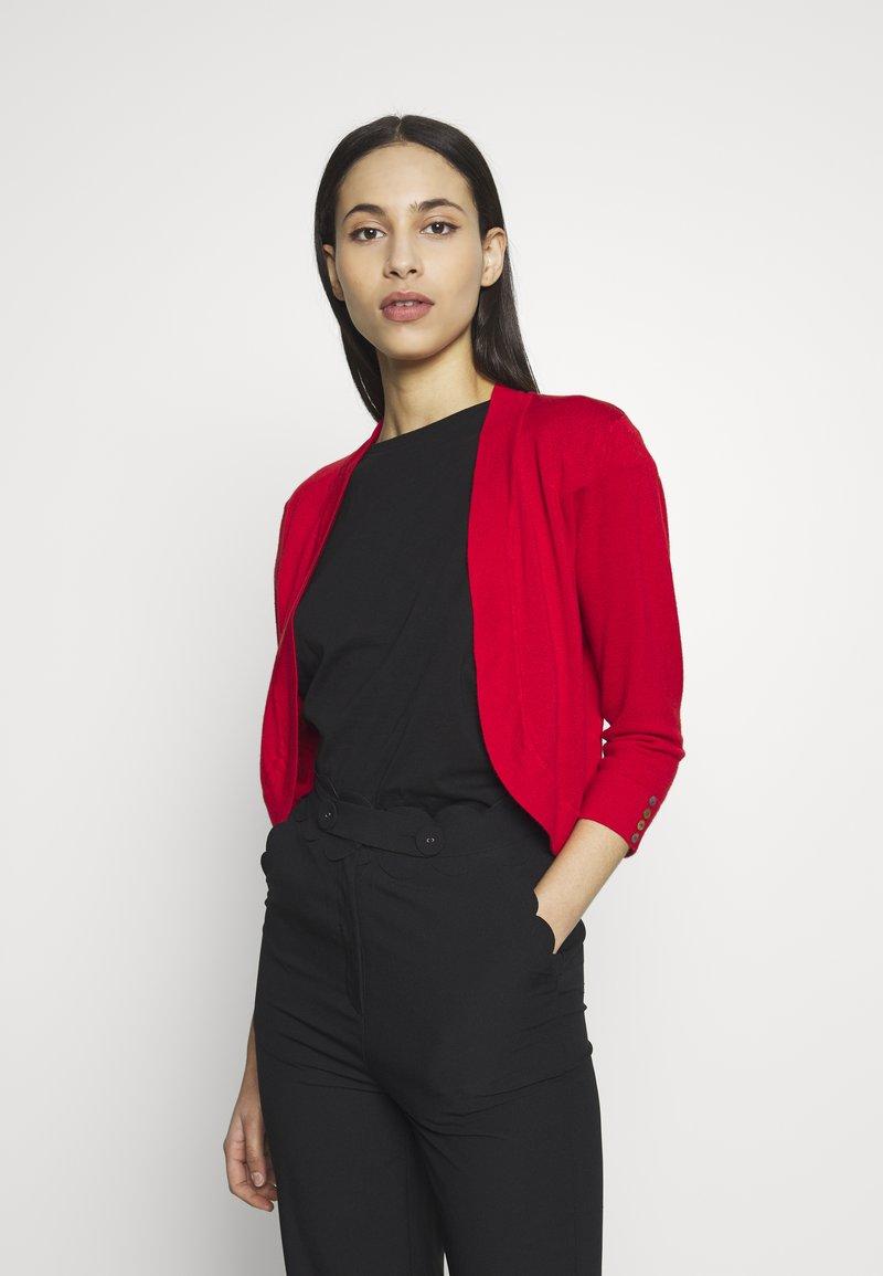 Wallis Tall - CURVE HEM SHRUG - Cardigan - red