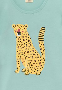 Walkiddy - TROPICAL LEOPARDS PLACEMENT 2 PACK - Print T-shirt - green/yellow - 4