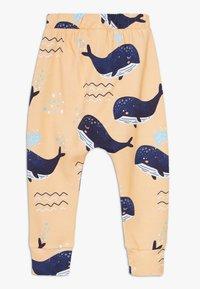 Walkiddy - LITTLE WHALE BAGGY 2 PACK - Trousers - orange/dark blue - 1