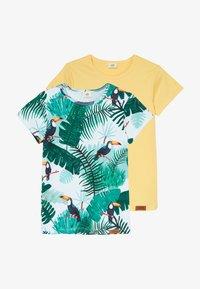 Walkiddy - TROPICAL TUCANS 2 PACK - Print T-shirt - green/yellow - 4