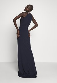 WAL G TALL - TALL MAXI HALTER NECK DRESS - Denní šaty - navy - 3