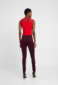 WAL G TALL - Linne - red - 2