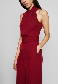 WAL G TALL - HIGH NECK BELTED - Tuta jumpsuit - burgundy - 4