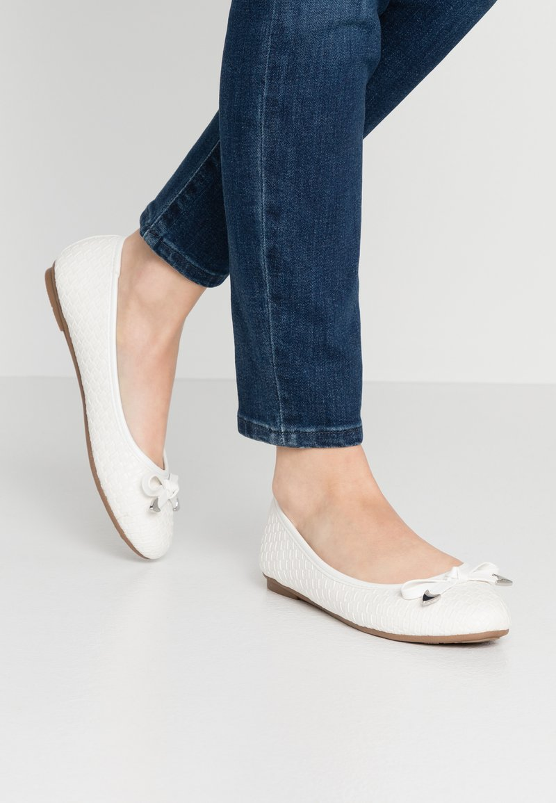 Wallis Wide Fit - WEAVE - Ballet pumps - white