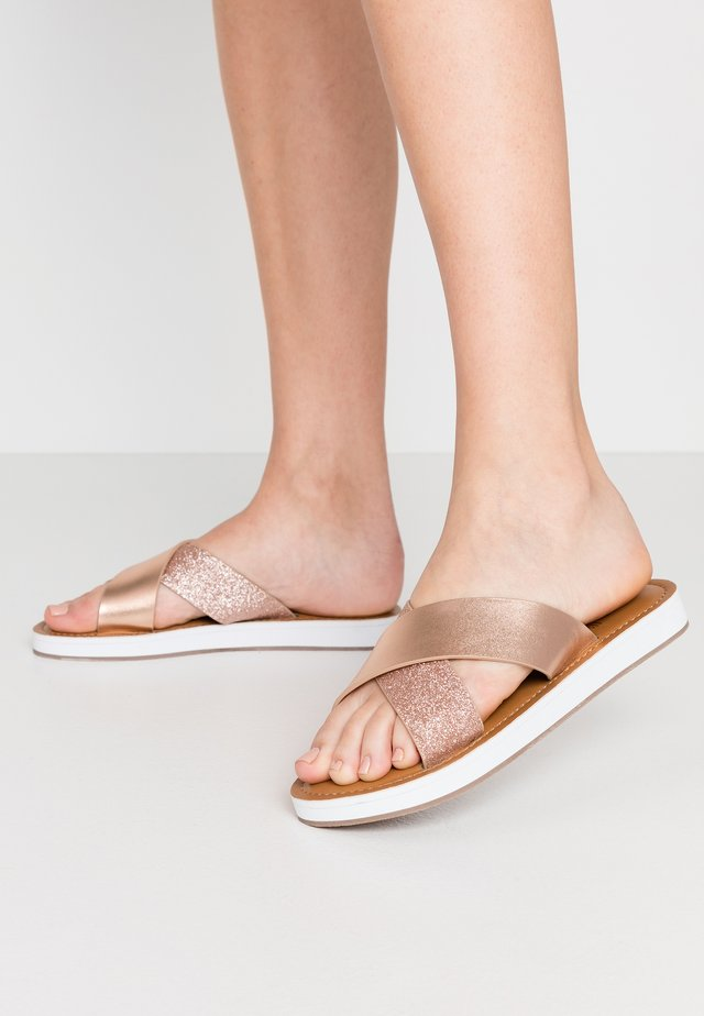 WISE - Slippers - rose gold metallic