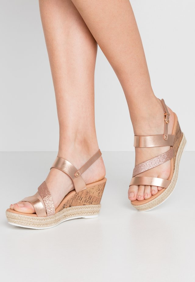 WITNESS - Espadrilles - rose metallic