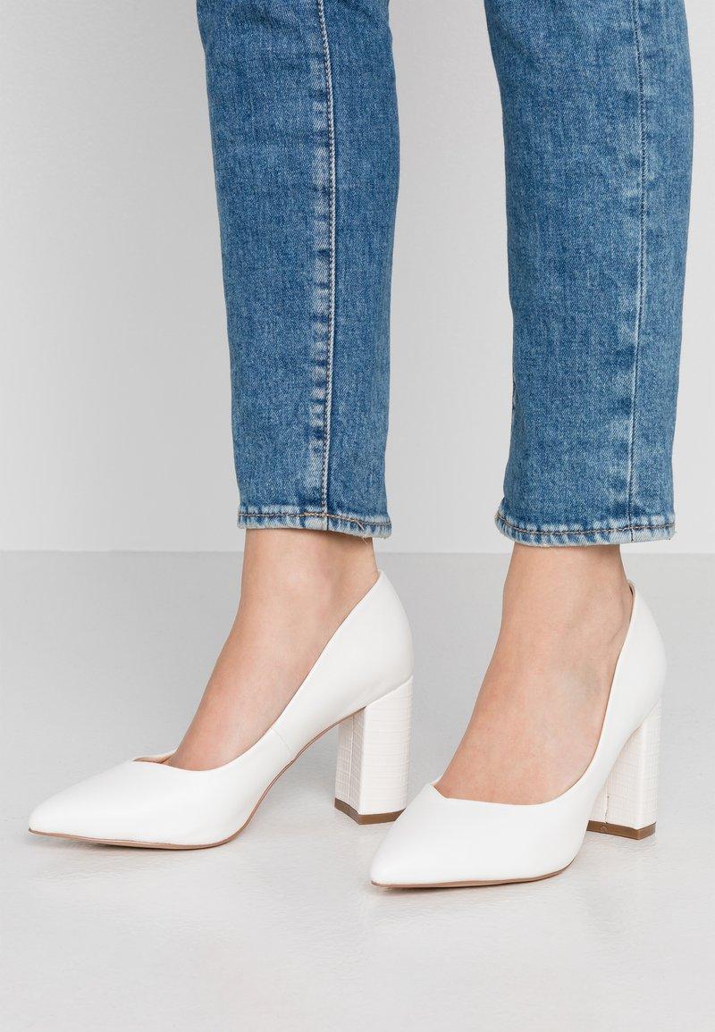 Wallis Wide Fit - WIDE FIT WILDROSE - High Heel Pumps - white