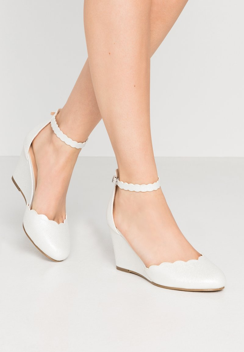Wallis Wide Fit - Bridal shoes - white shimmer