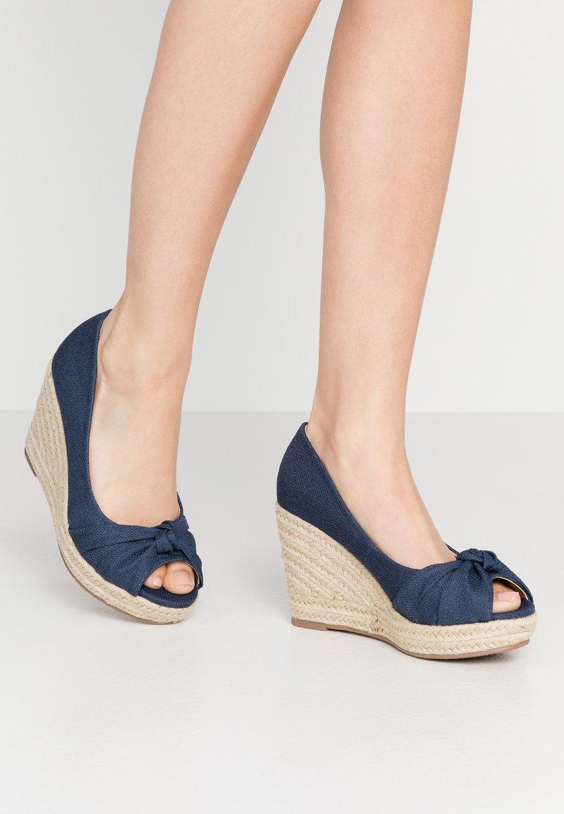 Wallis Wide Fit - WHIRL - Peeptoe heels - navy