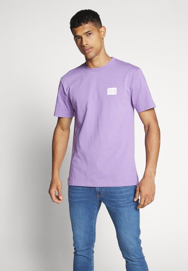 UNISEX FLOW - T-Shirt print - lillac