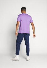 WAWWA - UNISEX POCKET  - T-shirt basic - lilac - 2