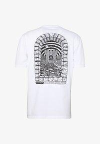 WAWWA - WAWWA SOUL DESERT GRAPHIC  - T-Shirt print - white - 1