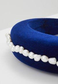 WALD - FRIDA KAHLO HEADBAND - Hair Styling Accessory - dark blue - 2