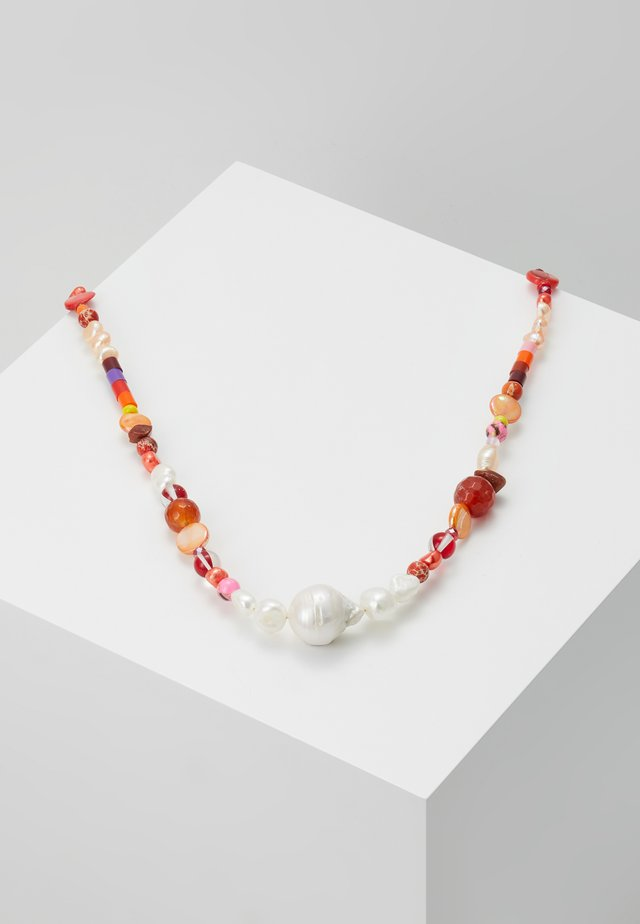 CANDY NECKLACE - Kaulakoru - red