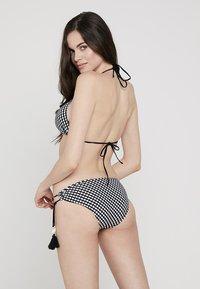 watercult - VINTAGE CHECKS BOTTOM - Bikini bottoms - black/offwhite - 2