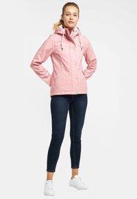 Schmuddelwedda - ANORAK - Waterproof jacket - light pink - 1