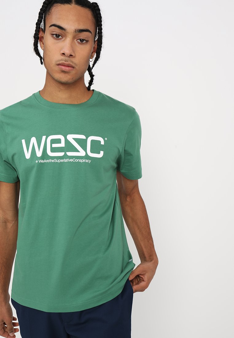 WeSC - T-shirt con stampa - camping green
