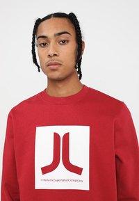 WeSC - BOX ICON  - Sweatshirt - jester red - 4