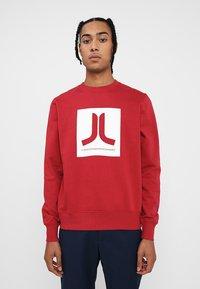 WeSC - BOX ICON  - Sweatshirt - jester red - 0