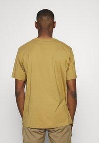 Weekday - UNISEX FRANK - T-shirt basic - dark beige - 2