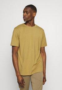 Weekday - UNISEX FRANK - T-shirt basic - dark beige - 0