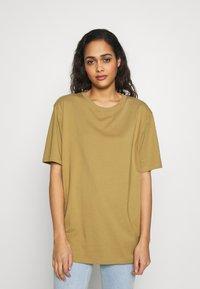 Weekday - UNISEX FRANK - T-shirt basic - dark beige - 3
