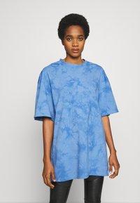 Weekday - UNISEX GREAT - T-shirt imprimé - blue tie dye - 3