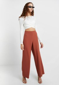 Weekday - JULIA  - Trousers - rust red - 1