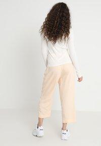 Weekday - ALIZE TROUSER - Kalhoty - light pink - 2