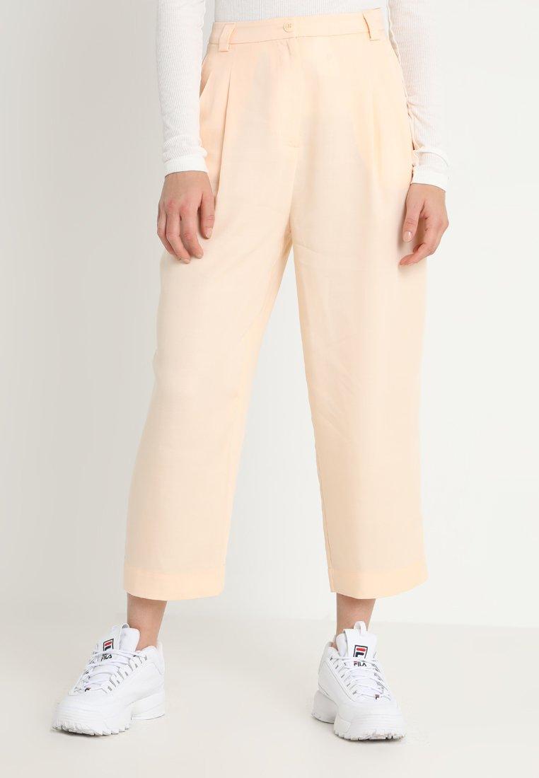Weekday - ALIZE TROUSER - Kalhoty - light pink