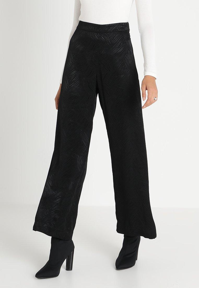 Weekday - DANUBE TROUSER - Trousers - black