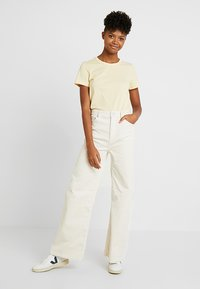 Weekday - ACE TROUSER - Bukse - off white - 1