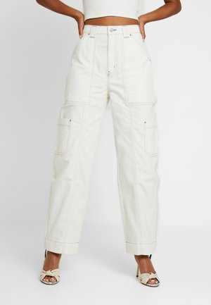 GROW TROUSERS - Relaxed fit jeans - white