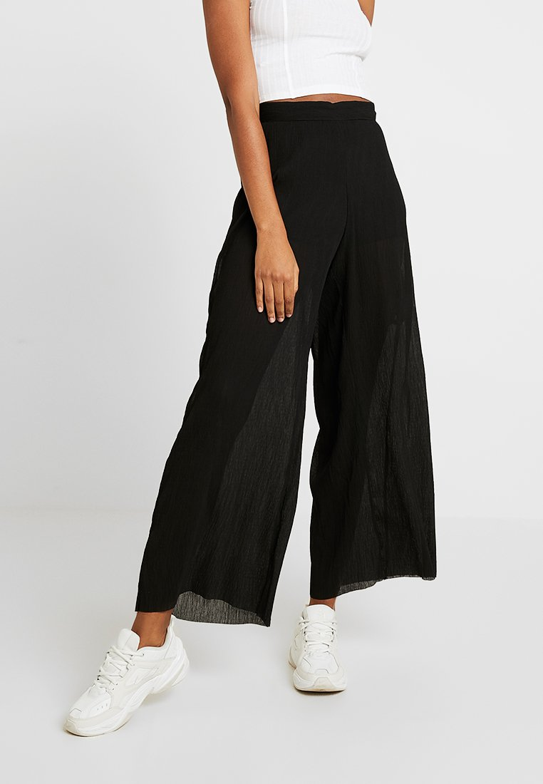 Weekday - DANUBE PLEATED TROUSERS - Trousers - black