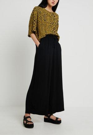 SERENA TROUSERS - Kalhoty - black