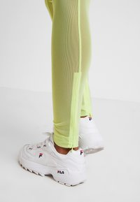 Weekday - FILA FOR WEEKDAY HAVEN - Leggings - Trousers - sharp green - 2