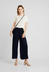 Weekday - WASSILY TROUSER - Kalhoty - navy - 1