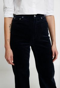 Weekday - TROUSERS - Pantalon classique - navy - 6