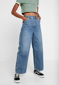 Weekday - BIG SKATER TROUSER - Flared jeans - mid stone - 0