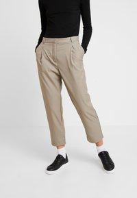 Weekday - MARSHA TROUSER - Kalhoty - light mole - 0