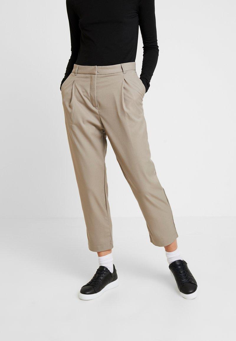 Weekday - MARSHA TROUSER - Kalhoty - light mole