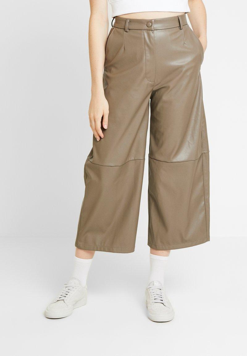 Weekday - REGINA TROUSER - Trousers - mole