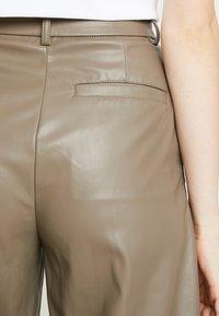 Weekday - REGINA TROUSER - Kalhoty - mole - 3