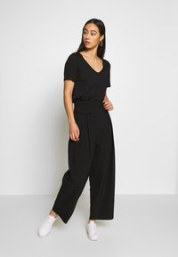 Weekday - NIGELLA TROUSER - Bukse - black - 1