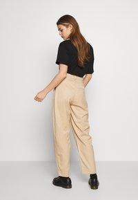 Weekday - TROUSER - Kalhoty - beige - 2