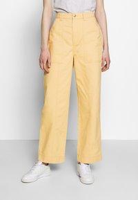 Weekday - GWYNETH TROUSER - Pantalones - medium beige - 0