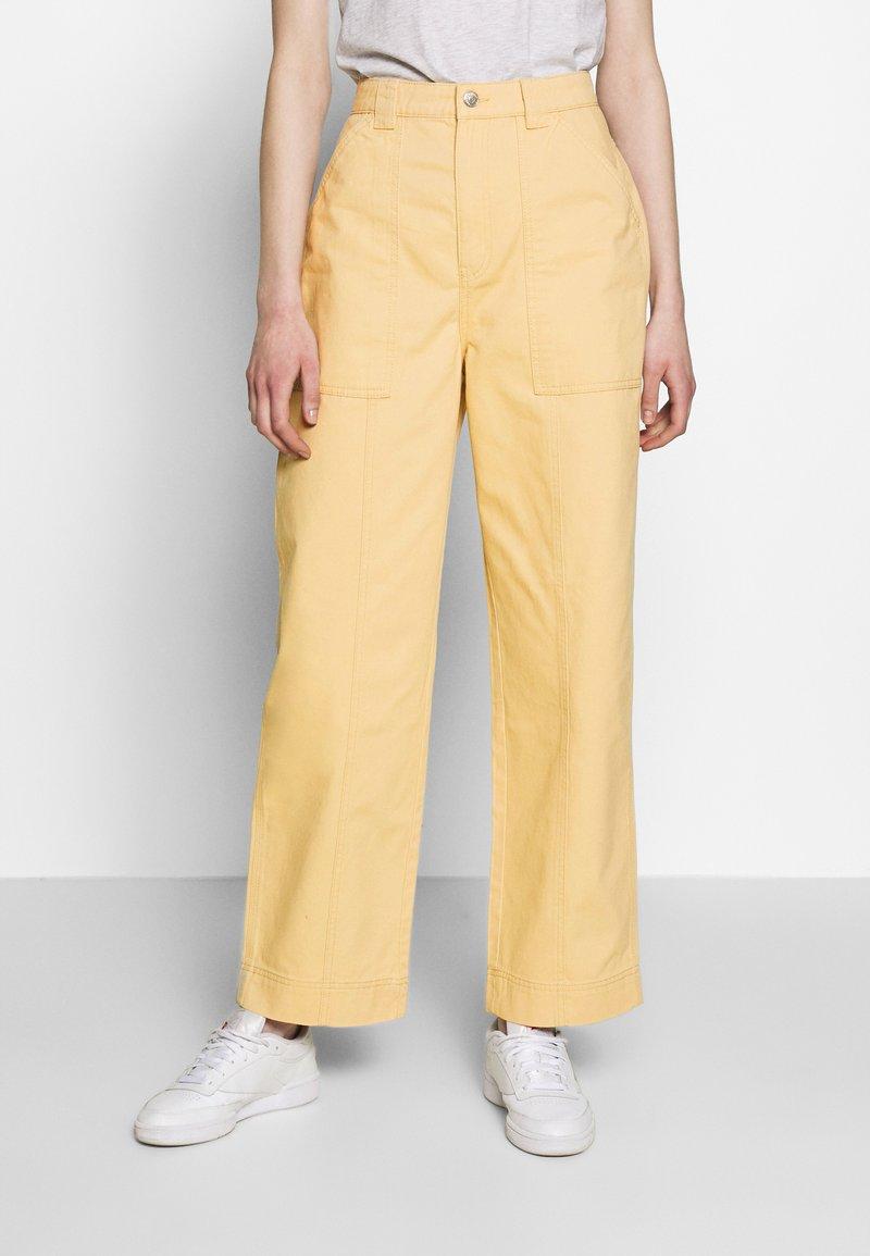 Weekday - GWYNETH TROUSER - Pantalones - medium beige