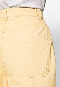 Weekday - GWYNETH TROUSER - Pantalones - medium beige - 5