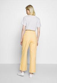 Weekday - GWYNETH TROUSER - Pantalones - medium beige - 2